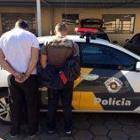 Perseguição policial acaba com comerciante preso e pistola 380 apreendida