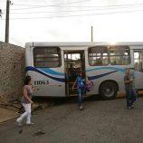 Ônibus apresentam falhas sucessivas: quebras, más condições e atrasos