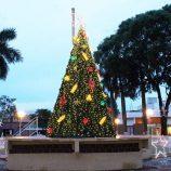 Depois da melancolia de 2016, Praça Rui Barbosa revive o clima de Natal