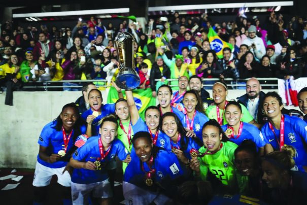 ecdd53fcc1 Seleção feminina é campeã da Copa América e Fabinho Guerreiro ergue 5ª taça