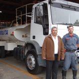Brigada Municipal de Incêndio recebe caminhão pipa e até bote inflável