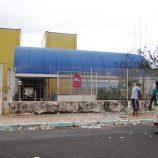Dose dupla: moradores se unem para limpar sujeira dos santinhos no Planalto