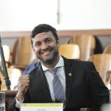Mané Palomino surpreende, vence eleição e é o novo presidente da Câmara
