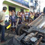 Veículo capota e atinge homem em calçada da Rua José Bonifácio, no Centro