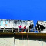 Bombeiros realizam treinamento para situações de risco em altura