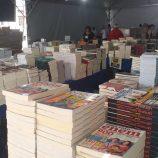 Praça Rui Barbosa recebe a Feira Popular do Livro, que fica na cidade até dia 24