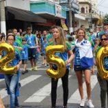 22 DE OUTUBRO: Desfile bonito e bem organizado agrada toda a população