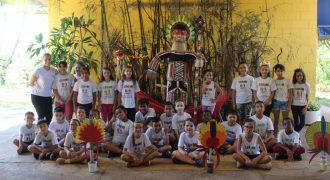 Línguas Indígenas: tema da feira Aluno Curioso, da escola Jorge Bertolaso Stella