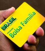 Presidente Bolsonaro surprende e anuncia Bolsa Família de R$ 300