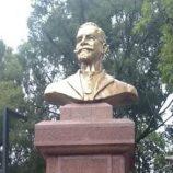 Restaurado, busto do Cel. João Leite é recolocado em praça