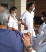 Para evitar aglomeração, Saúde adota sistema de agendamento para vacinar