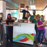 Crianças recebem doações em projeto de Mika Picin