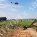 Com apoio do Águia, polícia procura por suspeitos na SP-340