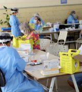 Secretaria de Saúde faz testes rápidos em idosos das regiões Oeste e Sul