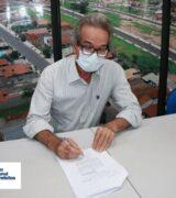 Prefeito Paulo Silva assina ingresso na FNP para aquisição de vacinas