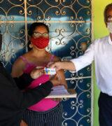 Prefeitura inicia entrega do Passe Social por moradores do Vergel e de M. Francisco