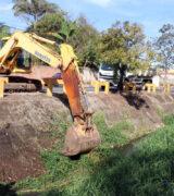 SSM e Obras executam trabalho de limpeza do córrego Lavapés na semana