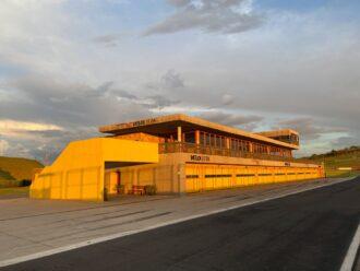 Conheça o Autódromo Velocitta