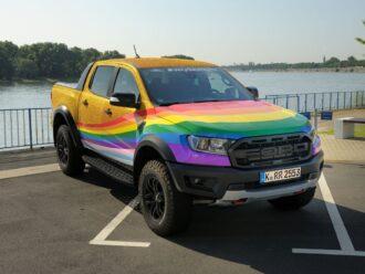 """Ford Europe apresenta a """"Very Gay Raptor"""""""