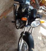 Bandidos ameaçam de morte vítima para roubar moto