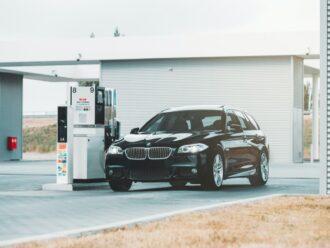 Dicas para você economizar diante da alta dos combustíveis