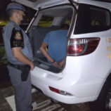 Rapaz é detido pela Força Tática por tráfico no Santa Luzia