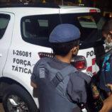 Rapaz é detido pela Força Tática por tráfico em residencial na Zona Leste