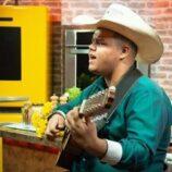 Pedro Violeiro, o menino bão de corda está de volta aos palcos e comemora nova fase